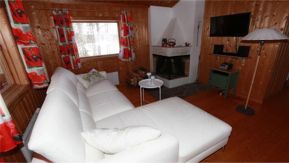 Schweden-Svanskog-Ferienhaus-Kantarella-Couch