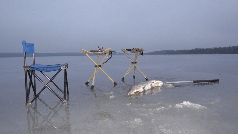 Ferienhaus in Schweden-Winterurlaub-Eisangeln